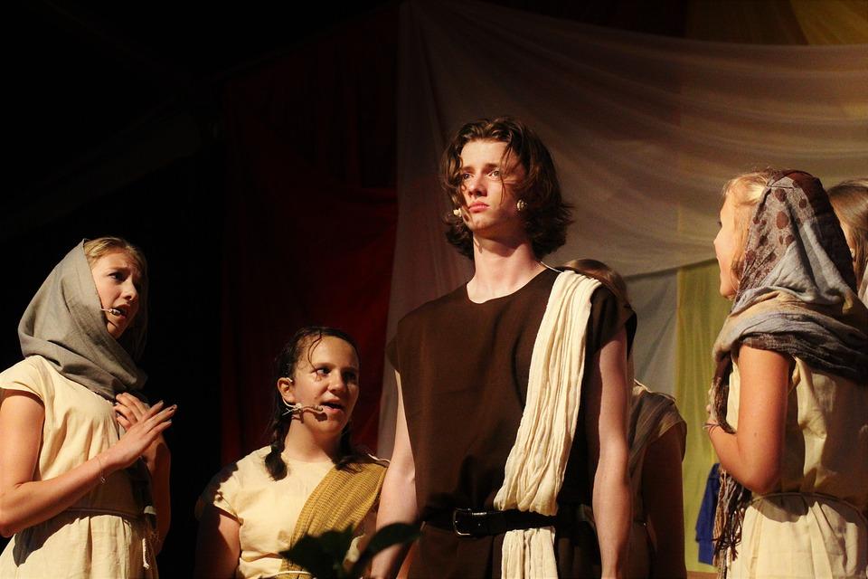 Rola teatrów niezawodowych